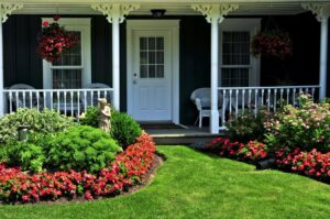 Home Facelift: 8 Tips for Painting Exterior Parts of a House