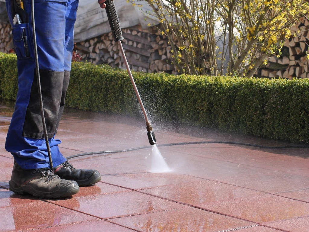 Why Should You Get Power Washing Services in Lansing, MI