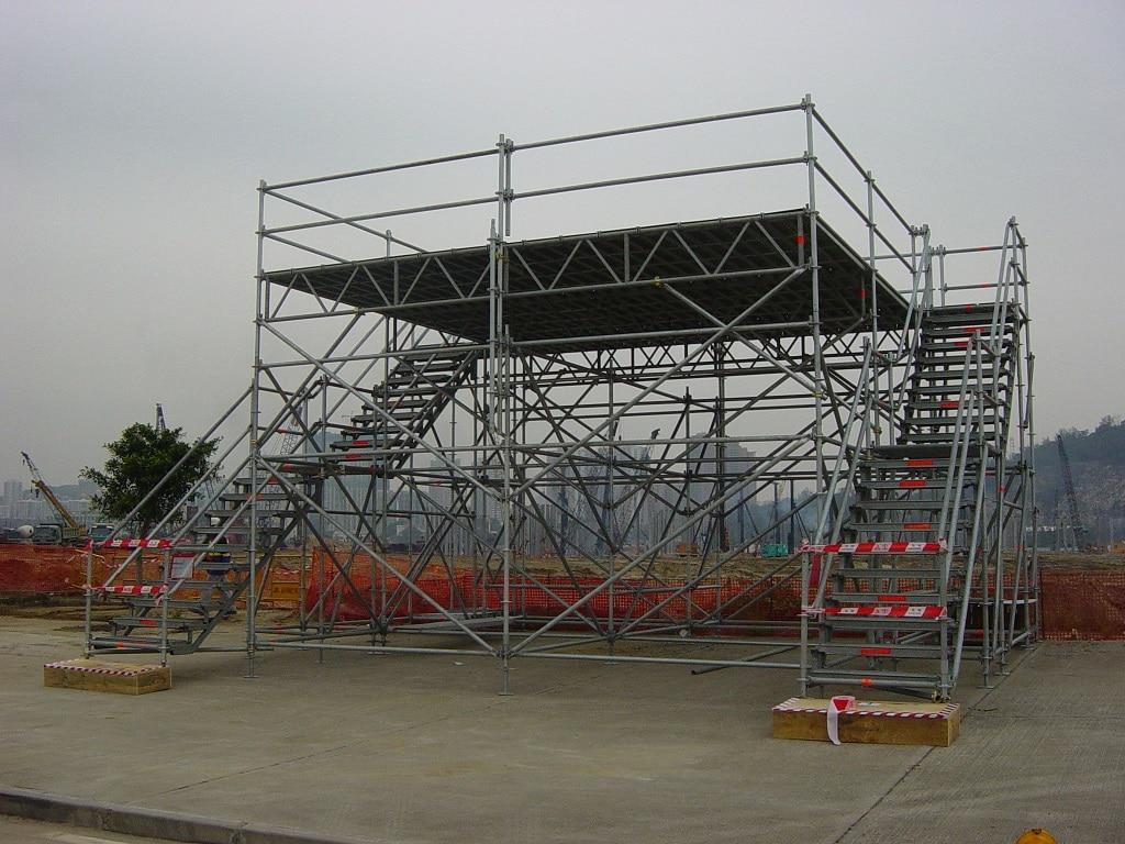 Putlog scaffolding