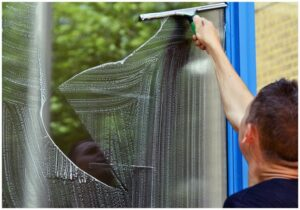 Window Cleaning Tips to Keep Your Windows Looking Great All Year Round