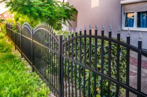8 Benefits of Having a Fence around Your Property