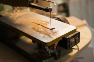 Scroll Saws Buying Guide – Meaning, Advantages, Uses and How to Buy