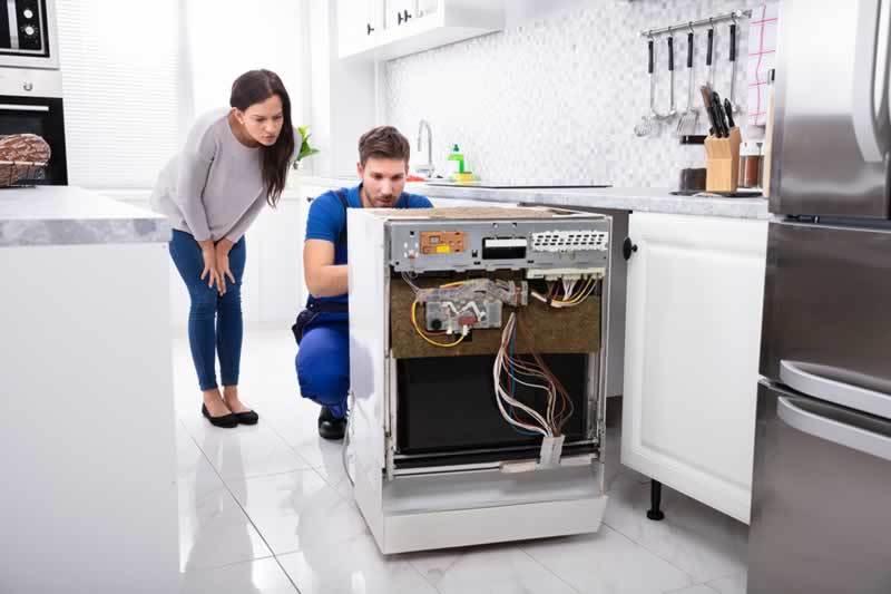 Choosing a Microwave Repair Technician