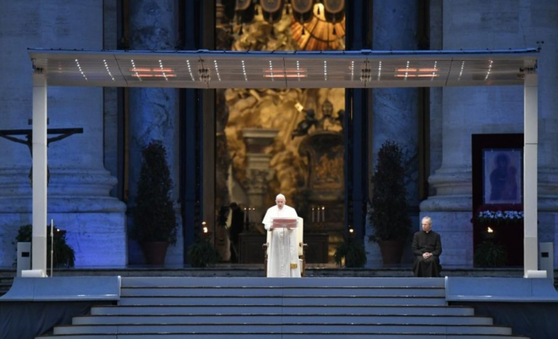 Pope's special Urbi et Orbi blessing: 'God turns everything to our good