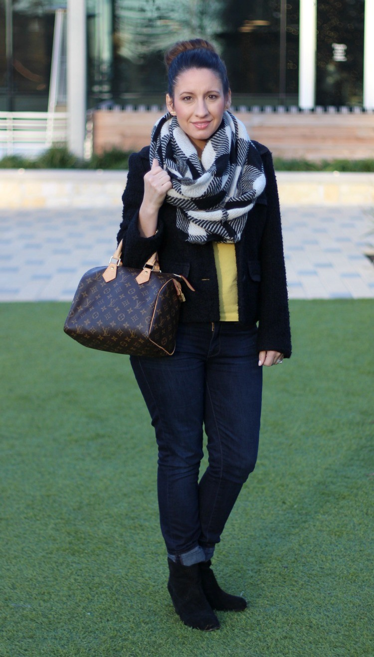 Black and white infinity scarf and skinny jeans