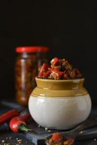 easy red chili pickle