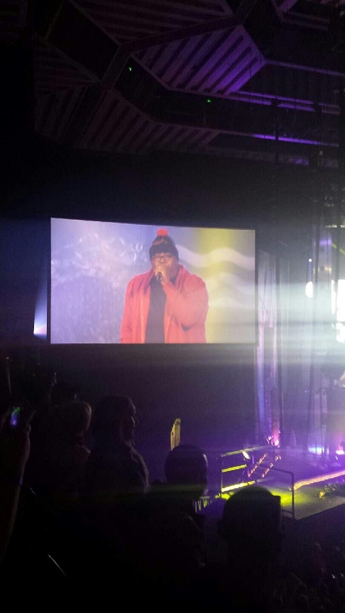 Iconic rapper, E40, on the big screen. Click here for the video link. Macklemore introduces E40.