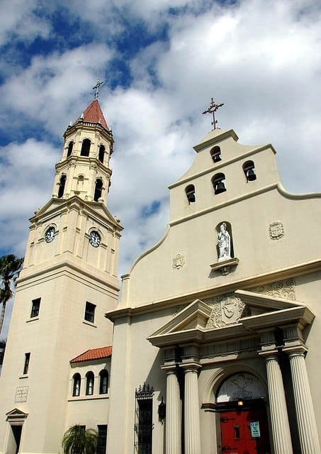 Exterior photograph of basilica