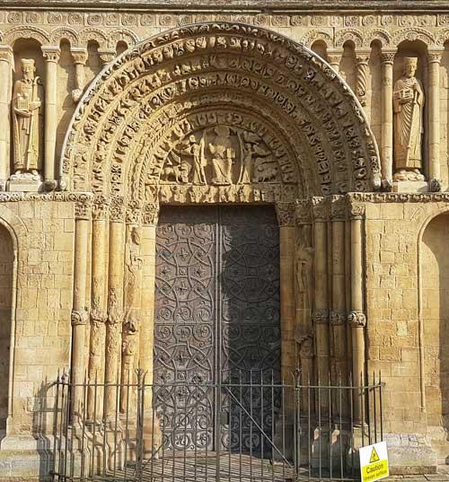 DOOR-Rochester-Cathedral,-Kent