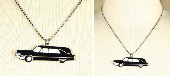 item of the week : rolling death necklace by Hollywood Mirror