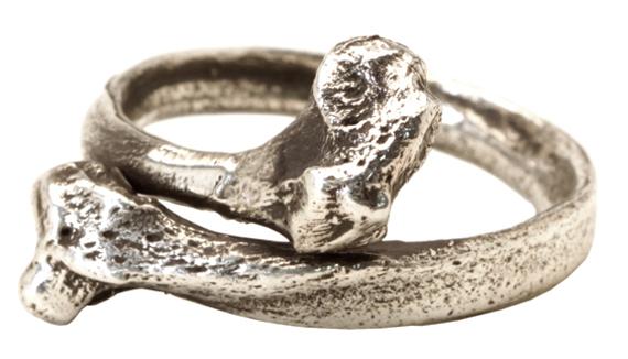 item of the week : fibula ring by Spragwerks