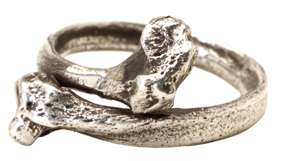 item of the week : fibula ring by Spragwerks