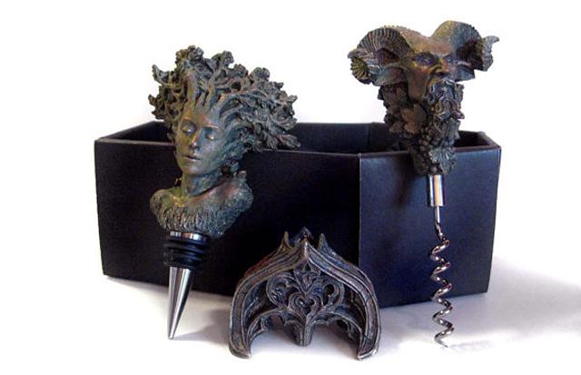 item of the week : Heathen Wine Accessories Gift Set by Dellamorte & Co.