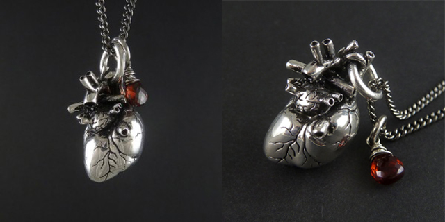 item of the week : Anatomical Heart Necklace by LostApostle