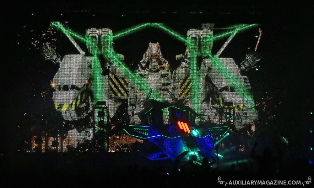 in attendance : Skrillex – The Mothership Tour