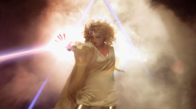 music video : Goldfrapp – Alive