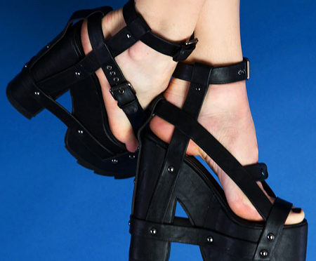 Nightcall black platform sandals by YRU