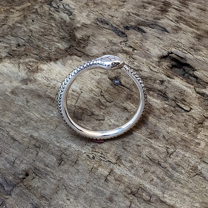 Auxiliary's Item of the Week the Ouroboros Ring by Beegirlmetal
