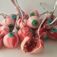Halloween Bloody Eye Cake Pops!