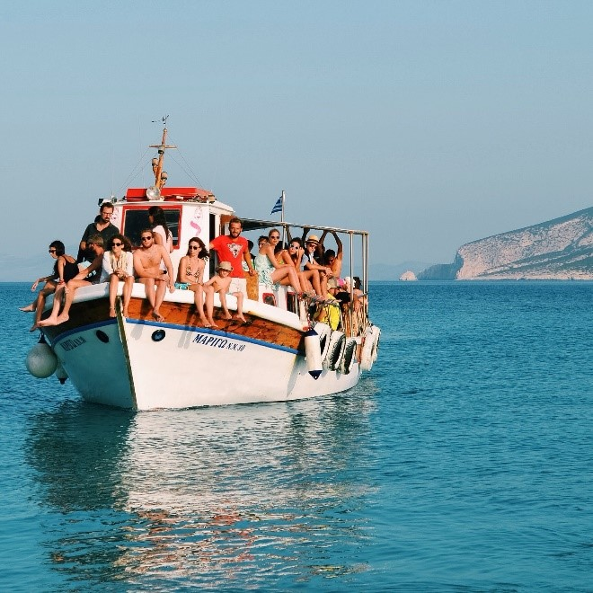 boat with a lot of people