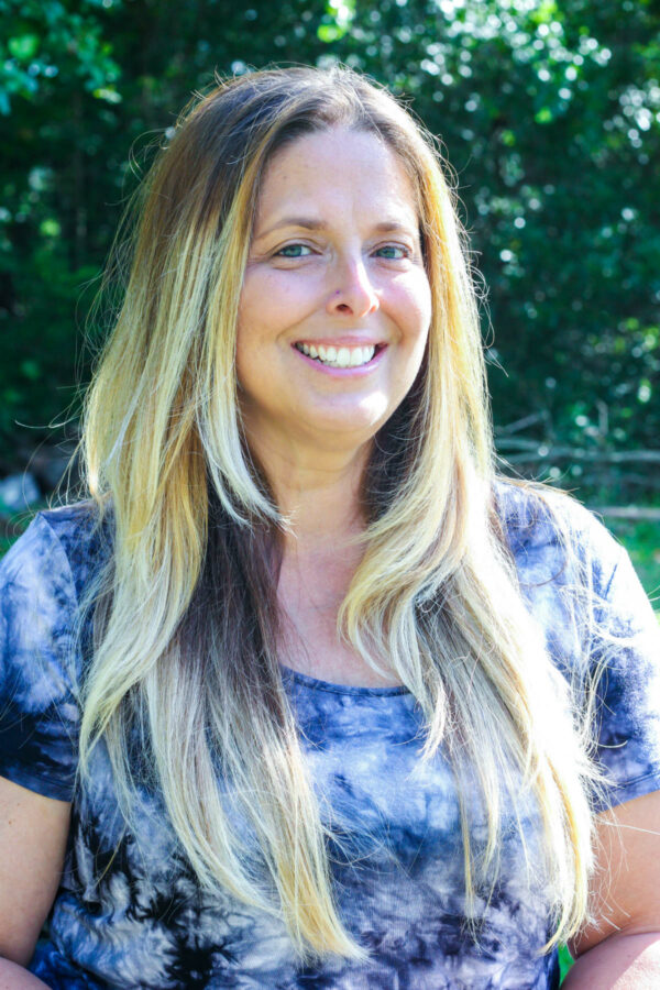 Lisa Taylor is a teacher and leader with Learn Together Lowcountry homeschool co-op in Bluffton SC