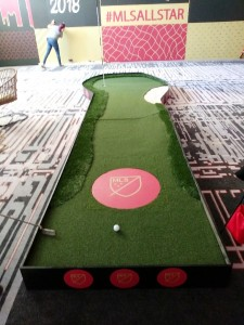 Deluxe Putting Greens