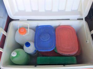 Extra storage of melting ice and ice pack