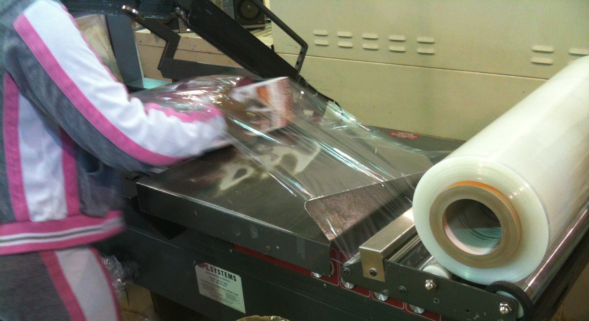 Shrinkwrapping by Repack Canada co-packing