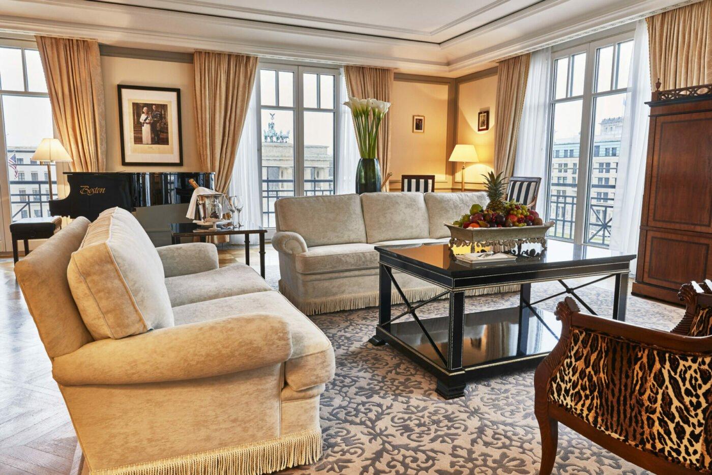 Hotel Adlon Room