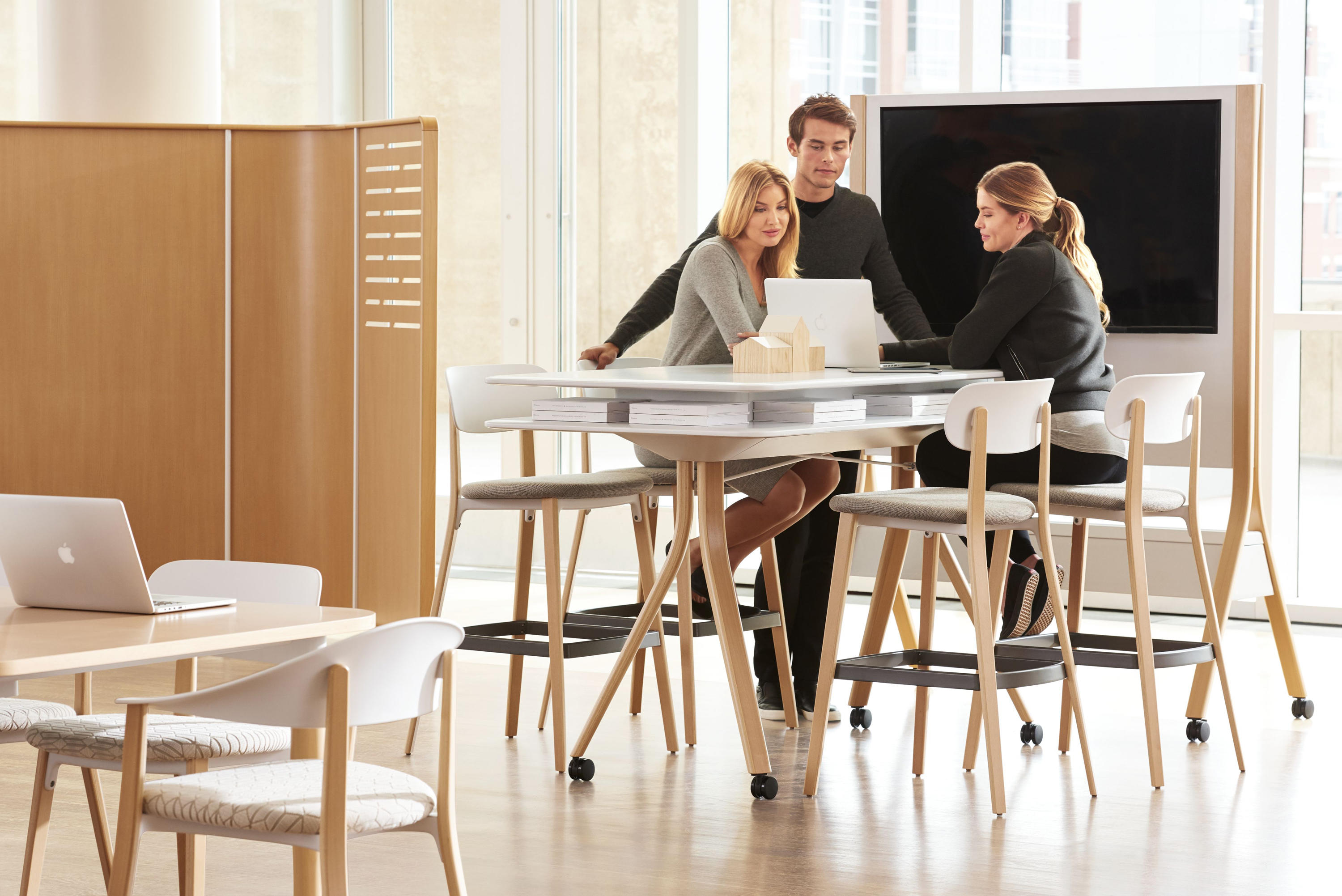 10 Creative, Inspiring Collaborative Workspace Design Ideas