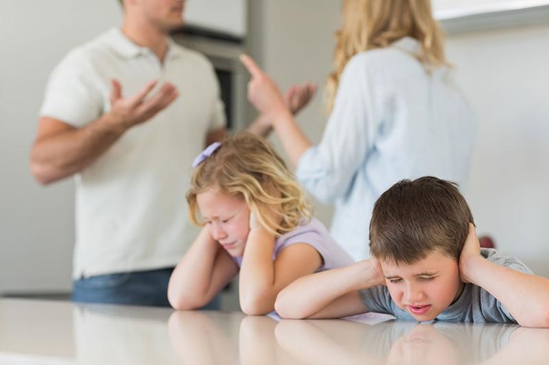 divorce-enfants-conflits-affronter-famille-affecte-effets-negatifs-education-amis-perdre-coment-eviter-parler-problemes-couple-infos-maintenant-net