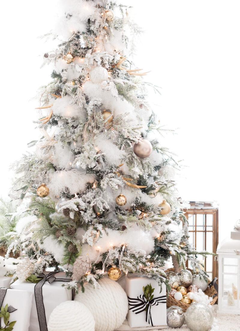 The Great Debate: Real vs. Faux Christmas Trees | amberpizante.com