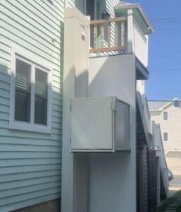 Crown Elevator Outdoor Vertical Platform Lift