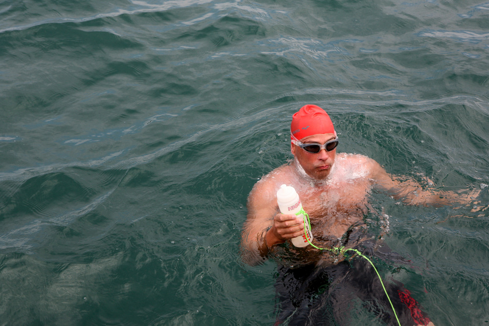Feeding time during the english channel swim