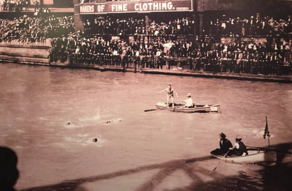 Chicgo-River-Swimmers-1900s