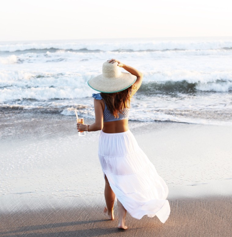 marianna hewitt travel blog beach white skirt crop top sunset w hotel bali seminyak 2