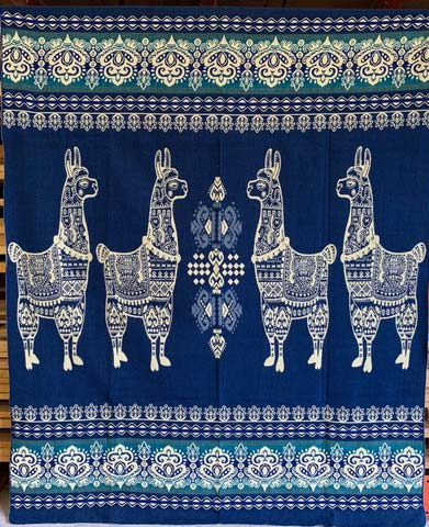 Llama blanket aqua blue detail