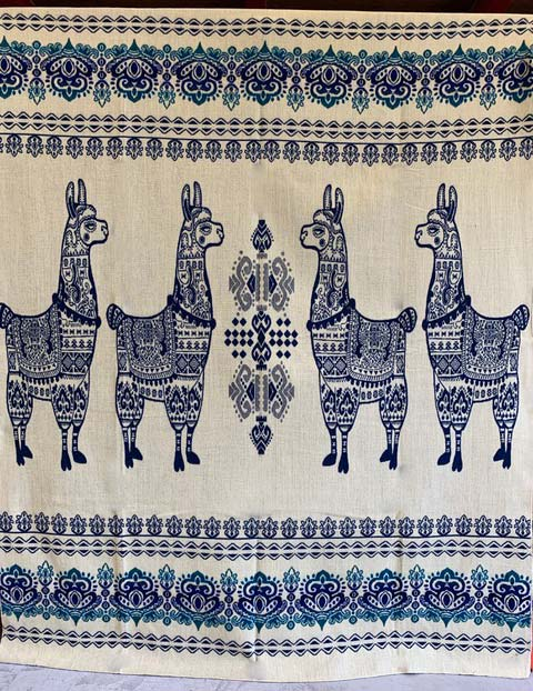 Llama blanket aqua blue reverse detail