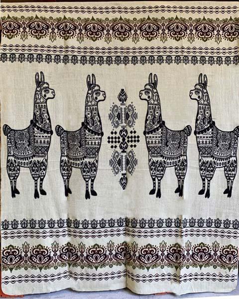 Llama blanket black reverse detail