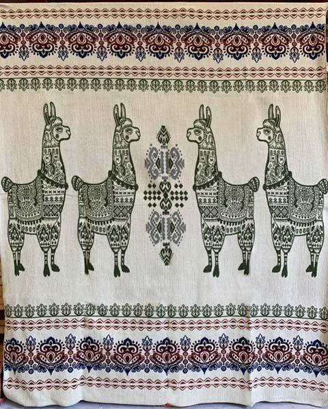Llama blanket loden green reverse detail