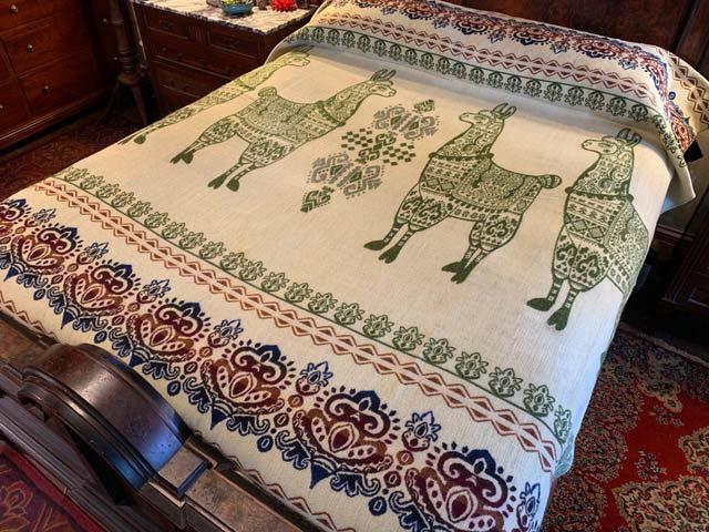 Llama blanket loden green reverse