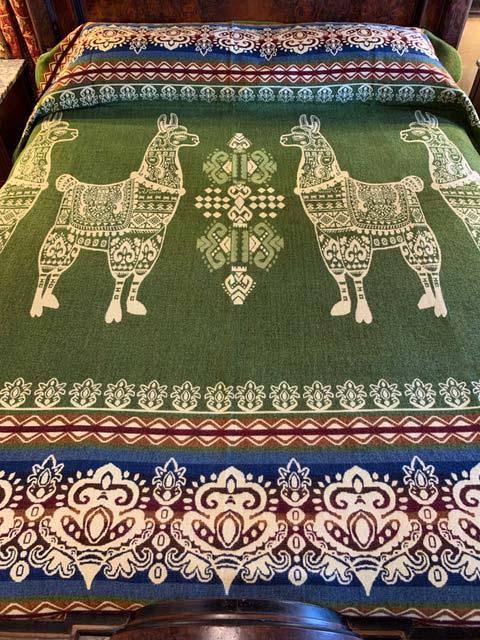 Llama blanket loden green