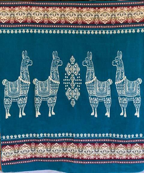 Llama blanket teal detail