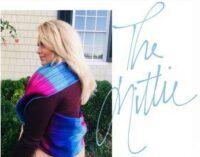 How to Wear an Infinity Scarf Mittie