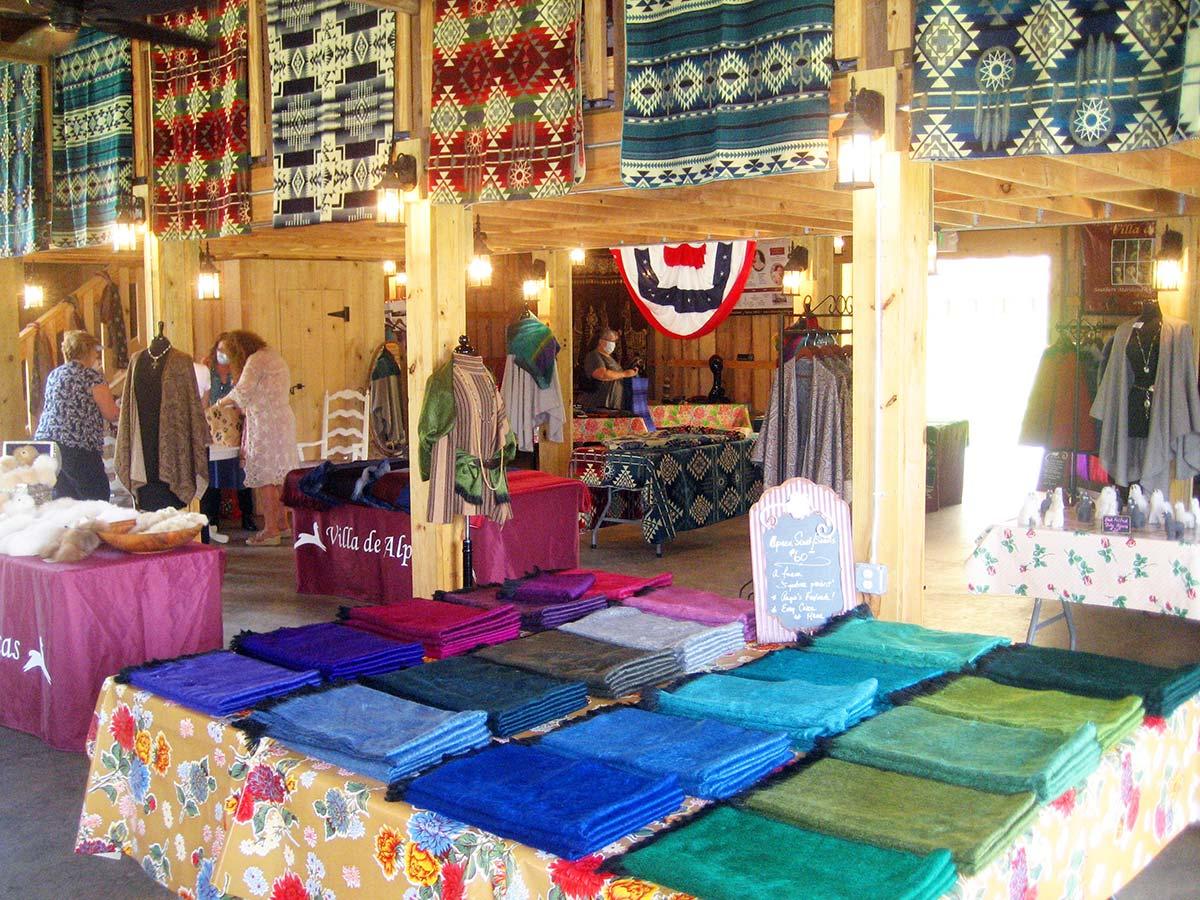 Healthy Farm Shopping at P.A. Bowen Farmstead with Villa de Alpacas