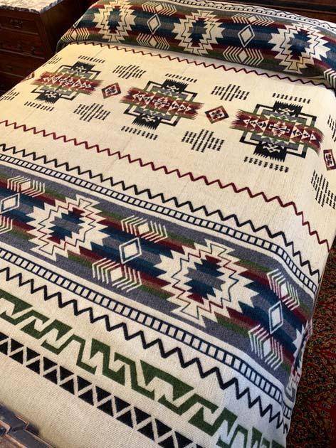 Beautiful Earth Tones Geometric blanket reverse