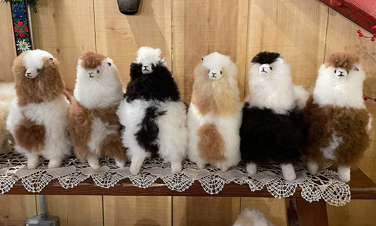 Plush Alpaca Llama toys approximately 10x8x6
