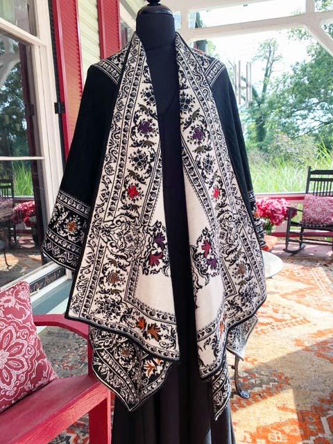 Embroidered Alpaca Cape black white