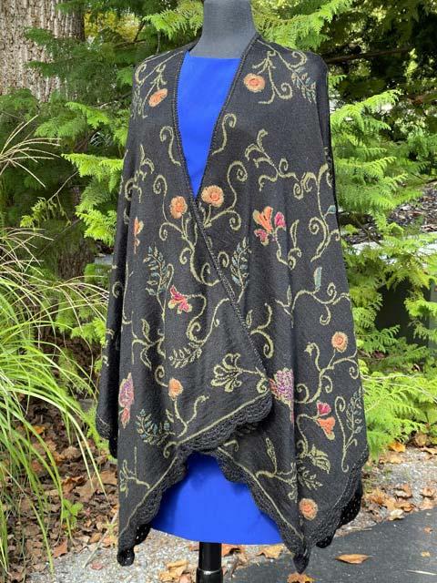 Embroidered Alpaca Cape green black