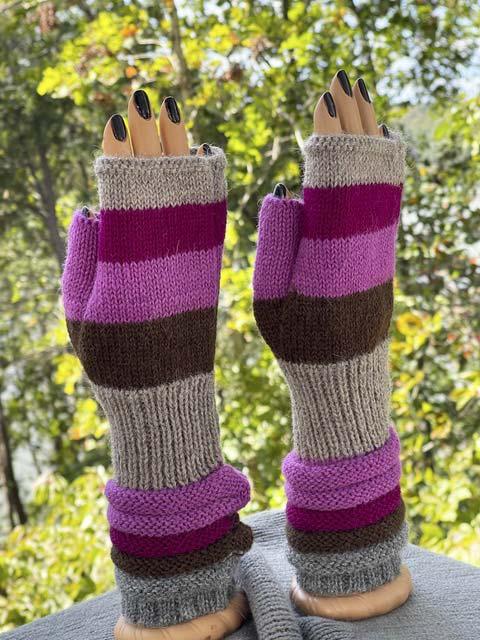 Tans and Fuchsias fingerless alpaca gloves